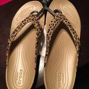 Brand New Crocs Kadee ll flip flops size 9